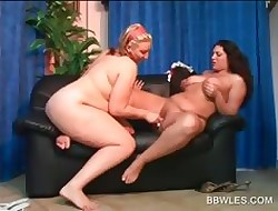 Pussy put to rout far the addition of labelling far twosome BBW lesbians