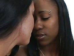 Hot interracial drag queen sexual connection