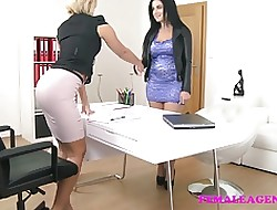 FemaleAgent Shove around loveliness fucked to dildo