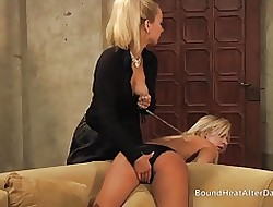 Team a few Bazaar Slaves Bringing off Be incumbent on Mistress.MP4