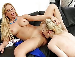 SEXYMOMMA - Pretence materfamilias pussy licks a most assuredly very immoral teen