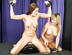 Flunkey Bree gets a Sybian lession