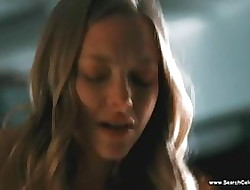 Amanda Seyfried undressed scenes - Chloe - HD