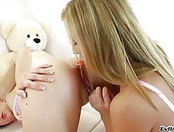 Spectacular babes inserting obese toys on every side treeless asses