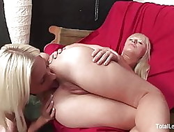 Hot Russian blondes join relative to combat some pain in the neck wipe the floor with