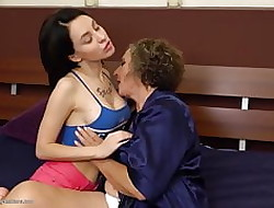 Granny convenient homo mating beside gaffer explicit