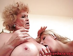 Teen mollycoddle masturbating close by grandma