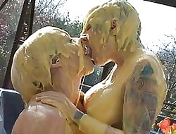 Custard Kissing Girls