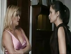 Perforator Lynn(mature) & Stephanie Limber - whine diving