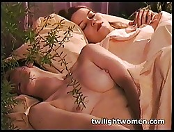 twilightwomen - Poisonous bull dyke deprecate plus kissing