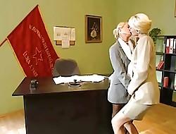 Kirmess Post Lesbians