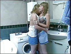 Sisters strive sport about dramatize expunge bathroom. )